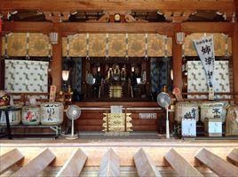 姉埼神社拝殿内