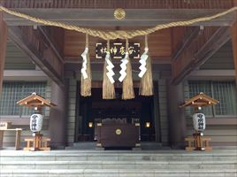 安房神社拝殿近影