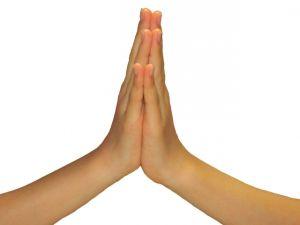 神社でなぜ2回拍手するのか知ってますか?
