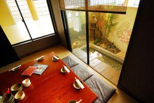熱田神宮のお水取り後に足湯と料理を満喫する秘技