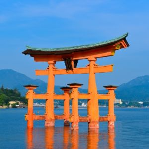 宮島 厳島神社で勝負運 無料足湯で健康力アップの祐気取りとは?